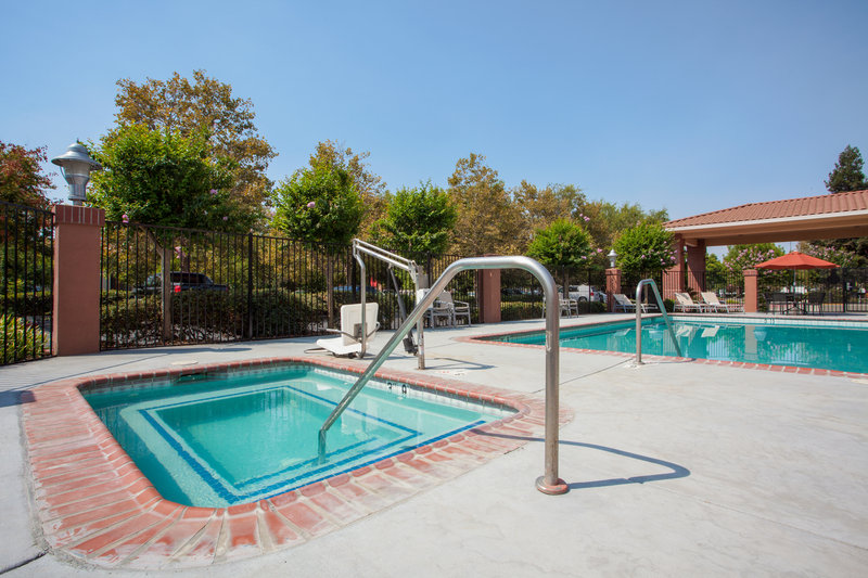 Holiday Inn Express & Suites Davis-University Area-Outdoor hot tub<br/>Image from Leonardo