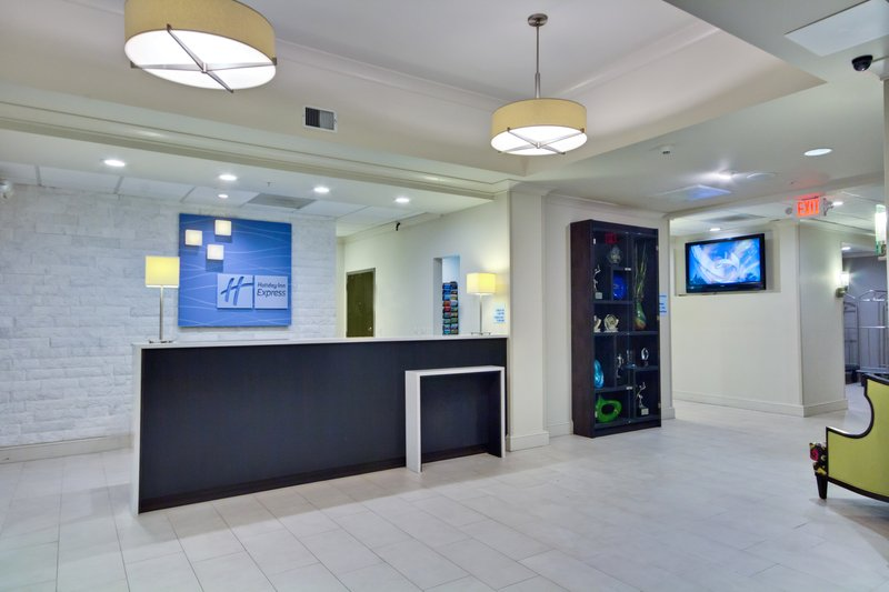 Holiday Inn Express & Suites Tampa-I-75 @ Bruce B. Downs-Hotel Lobby<br/>Image from Leonardo