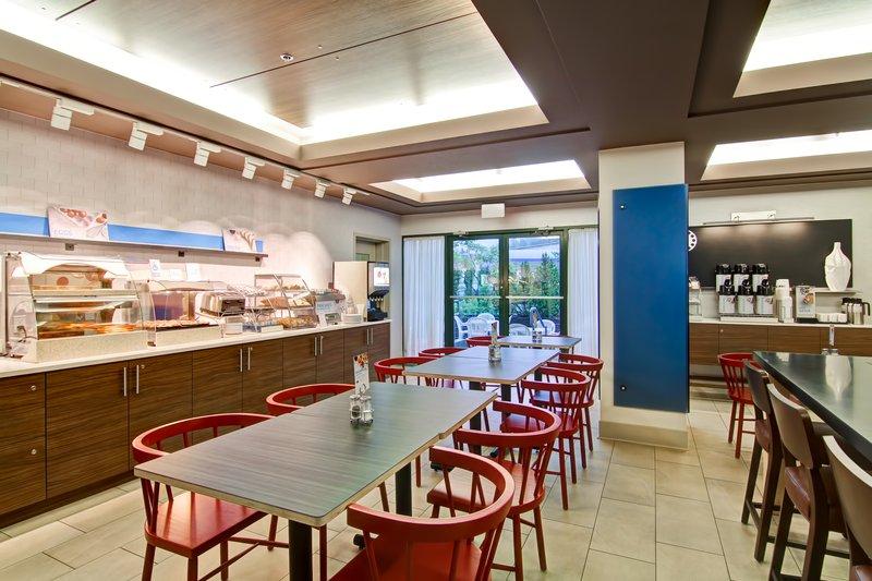 Holiday Inn Express Kamloops-Breakfast Area<br/>Image from Leonardo