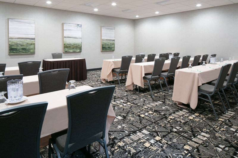 Holiday Inn Hotel & Suites Des Moines-Northwest-Meet in our high tech newly renovated spaces.<br/>Image from Leonardo