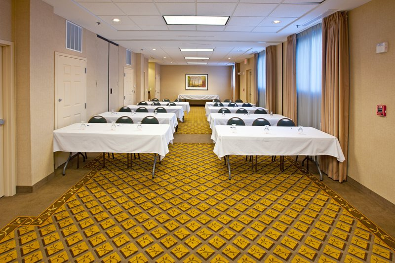 Candlewood Suites Indianapolis Dwtn Medical Dist-Host a meeting in our 900 square foot meeting space.<br/>Image from Leonardo