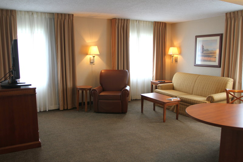Candlewood Suites Indianapolis Dwtn Medical Dist-Stretch out and relax in the spacious living area.<br/>Image from Leonardo