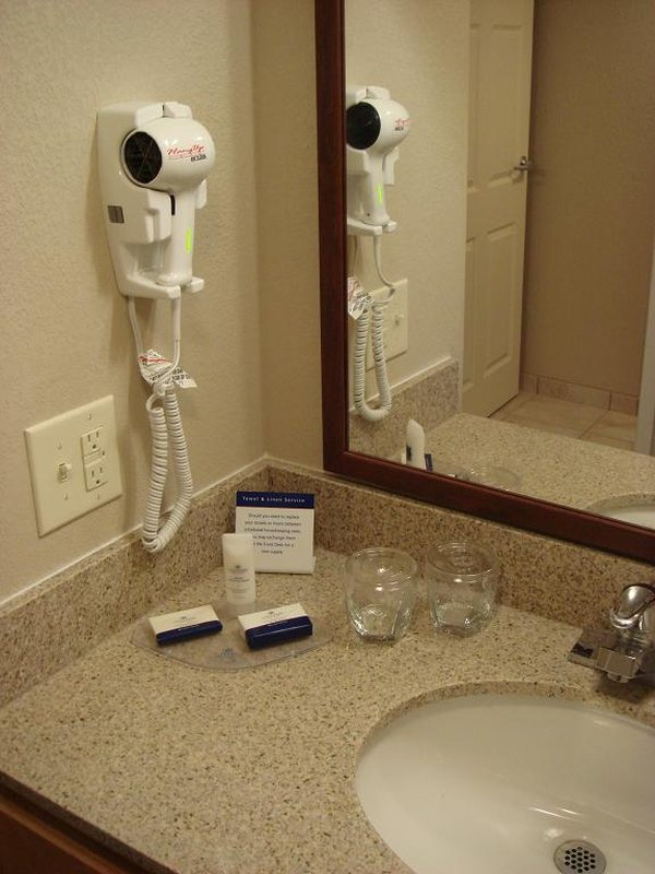 Candlewood Suites Indianapolis Dwtn Medical Dist-Spacious Vanity<br/>Image from Leonardo