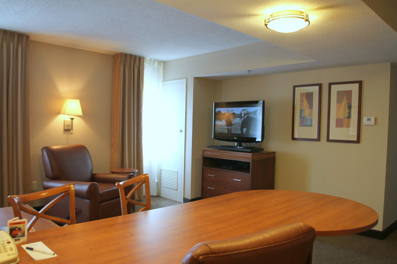 Candlewood Suites Indianapolis Dwtn Medical Dist-Single Bed Guest Room<br/>Image from Leonardo