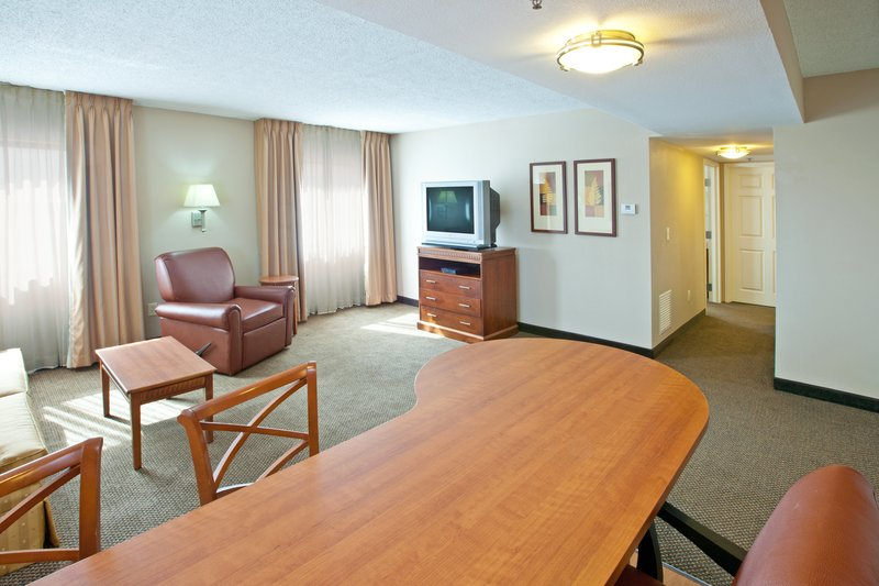 Candlewood Suites Indianapolis Dwtn Medical Dist-Double Bed Guest Room<br/>Image from Leonardo