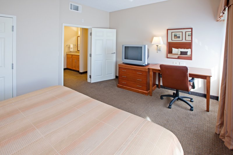 Candlewood Suites Indianapolis Dwtn Medical Dist-King Bed Guest Room<br/>Image from Leonardo