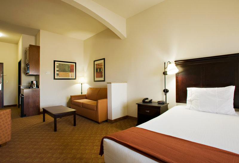 Holiday Inn Express & Suites Sweetwater-King Suite<br/>Image from Leonardo