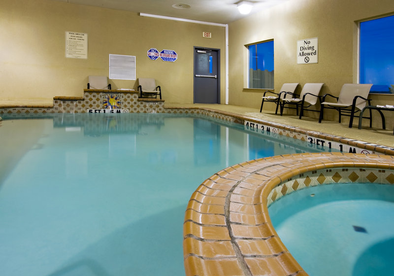 Holiday Inn Express & Suites Sweetwater-Swimming Pool<br/>Image from Leonardo
