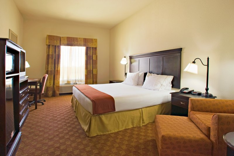 Holiday Inn Express & Suites Sweetwater-Guest Room<br/>Image from Leonardo