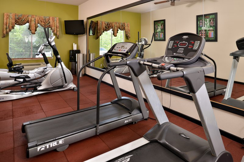 Holiday Inn Express & Suites Sherman HWY 75-Fitness Center<br/>Image from Leonardo