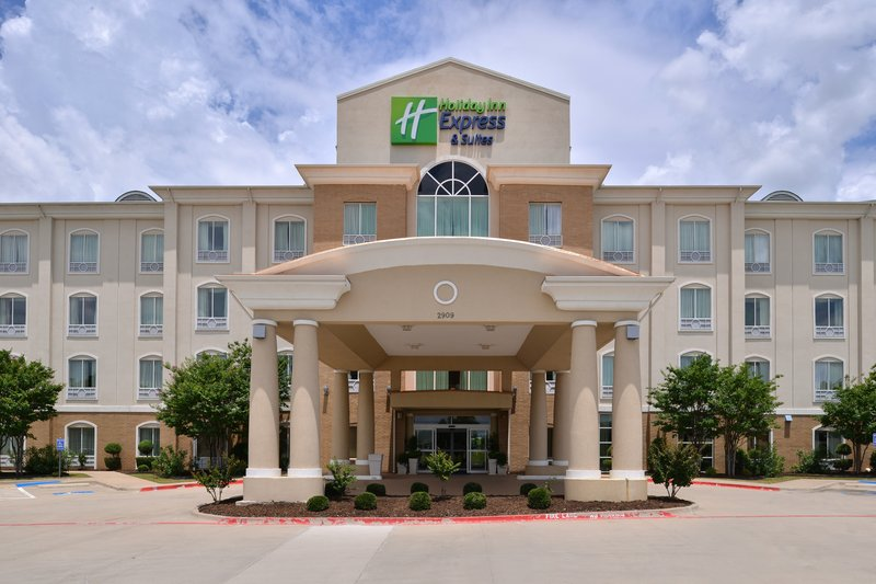 Holiday Inn Express & Suites Sherman HWY 75-Hotel Exterior<br/>Image from Leonardo