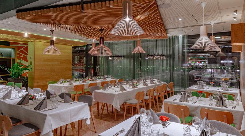 Holiday Inn Helsinki City Centre-Open Lobby's 2nd floor restaurant can be set-up for private dinner<br/>Image from Leonardo