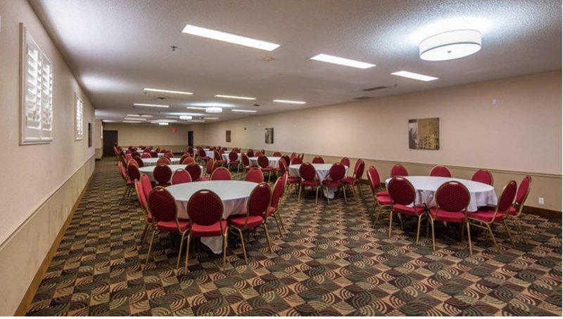 Best Western Old Mill Inn-Bwom Big Meeting Room<br/>Image from Leonardo