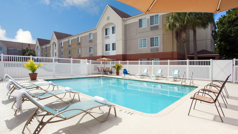 Candlewood Suites Clearwater-Outdoor Swimming Pool<br/>Image from Leonardo