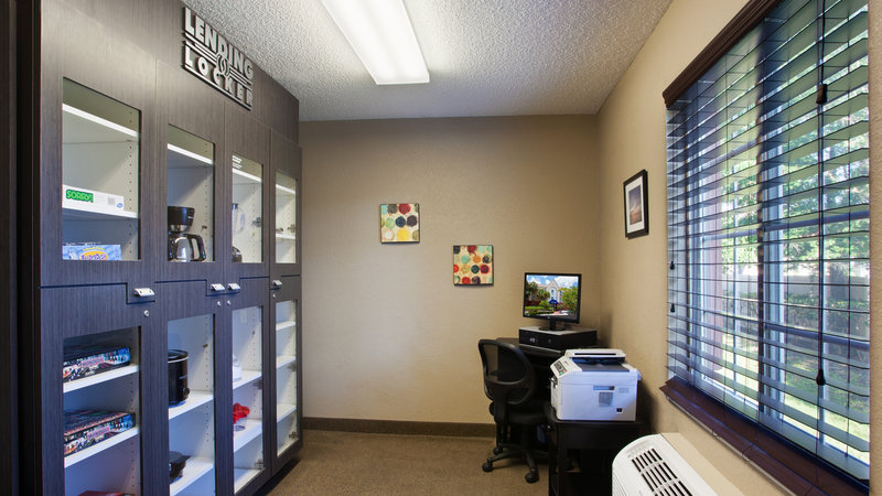 Candlewood Suites Clearwater-Lending Locker and Business Center<br/>Image from Leonardo