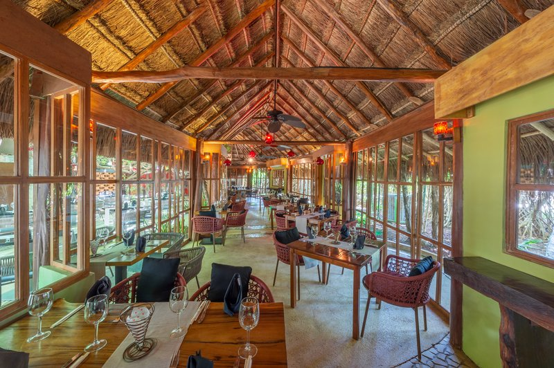 Live Aqua Cancun - Restaurant Hidden Garden <br/>Image from Leonardo