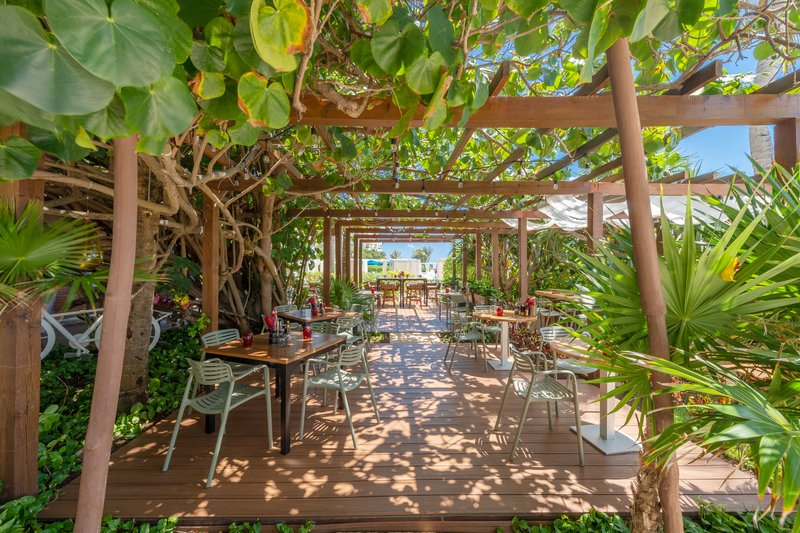 Live Aqua Cancun - Varena Restaurant <br/>Image from Leonardo