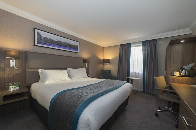 Holiday Inn Nottingham-Double Bed Guest Room<br/>Image from Leonardo