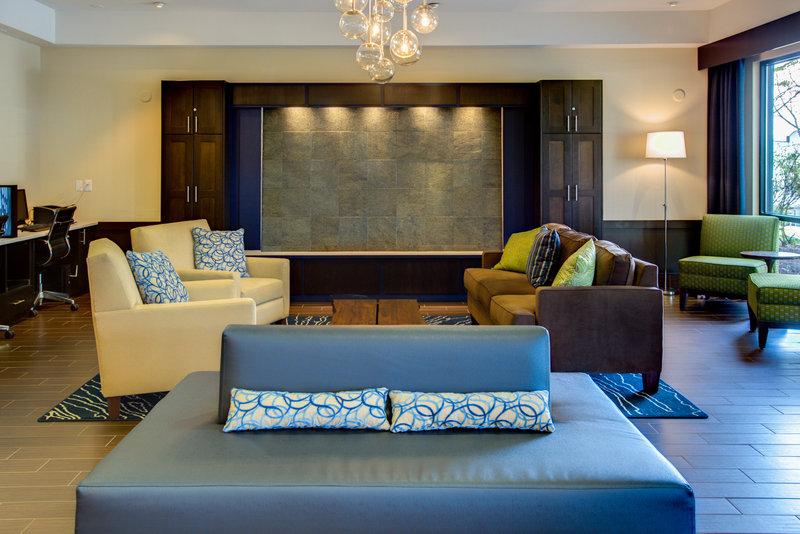 Holiday Inn Express Bellingham-Hotel Lobby<br/>Image from Leonardo