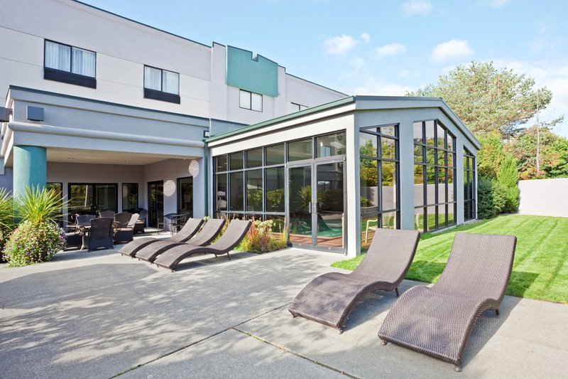 Holiday Inn Express Bellingham-Guest Patio<br/>Image from Leonardo