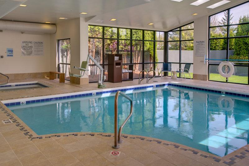 Holiday Inn Express Bellingham-Swimming Pool<br/>Image from Leonardo