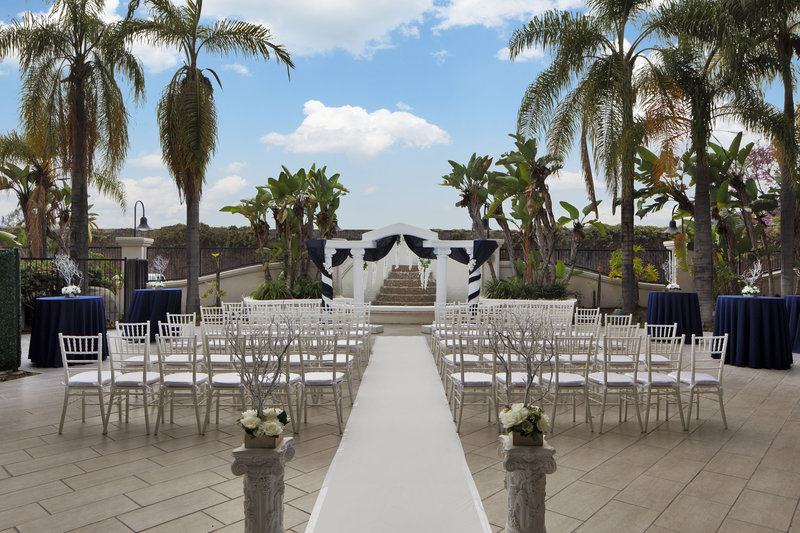 Four Points by Sheraton Anaheim-Wedding Aisle<br/>Image from Leonardo