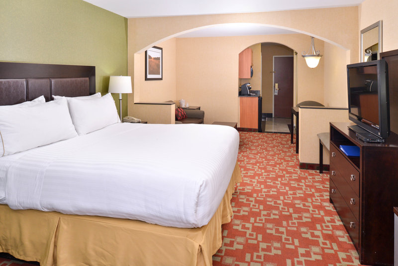 Holiday Inn Express & Suites El Centro-Guest Room<br/>Image from Leonardo
