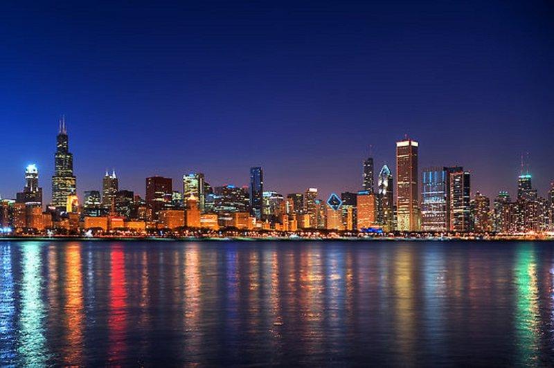 Crowne Plaza Lombard Downers Grove-Chicago Skyline<br/>Image from Leonardo