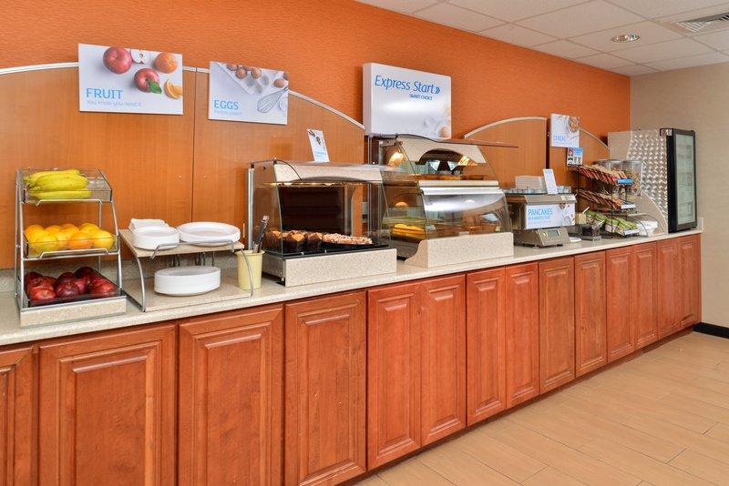 Holiday Inn Express Providence - North Attleboro-Breakfast<br/>Image from Leonardo