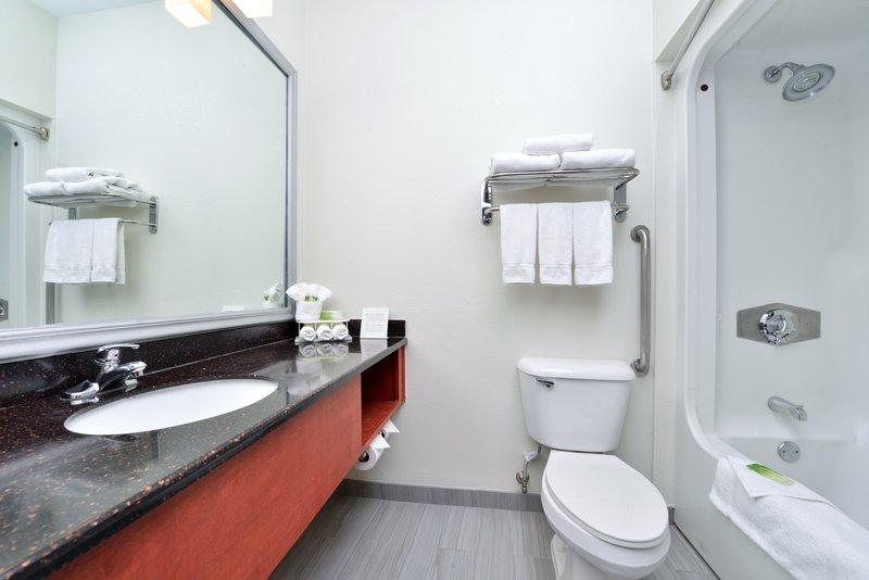 Holiday Inn Express Providence - North Attleboro-Bathroom<br/>Image from Leonardo