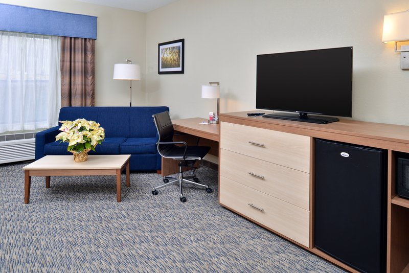 Holiday Inn Express Providence - North Attleboro-Executive Suite<br/>Image from Leonardo