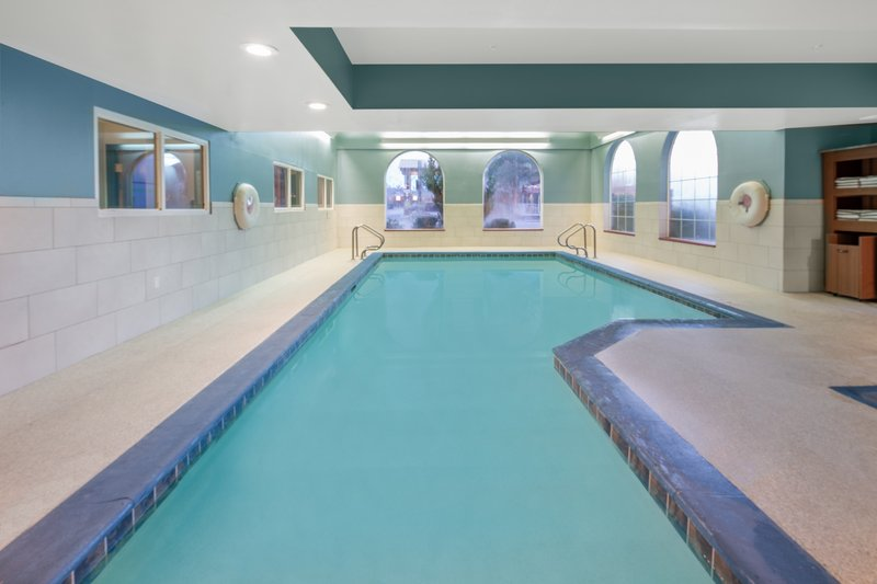 Holiday Inn Express & Suites Bishop-Enjoy a quick dip year round in our indoor pool<br/>Image from Leonardo
