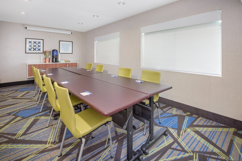 Holiday Inn Express & Suites Bishop-Small Meeting Room perfect for depositions<br/>Image from Leonardo