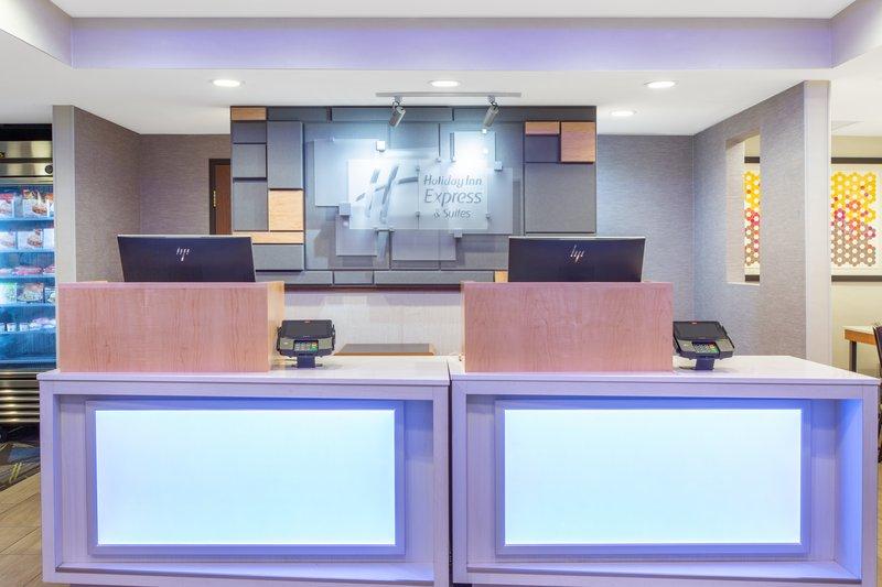 Holiday Inn Express & Suites Bishop-Front Desk <br/>Image from Leonardo