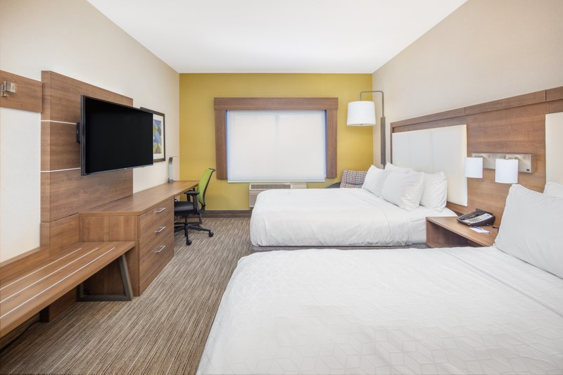 Holiday Inn Express & Suites Bishop-Hearing Accesible Room with 2 Queen Beds<br/>Image from Leonardo