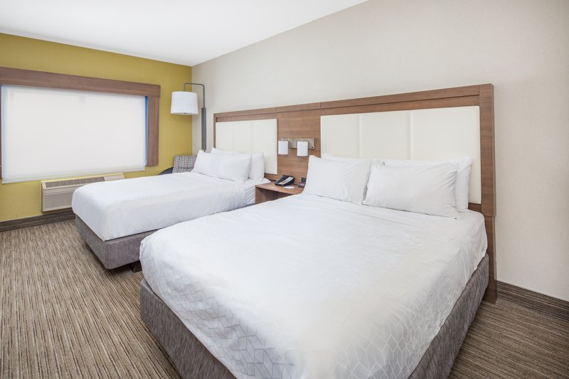 Holiday Inn Express & Suites Bishop-2 Queen Room<br/>Image from Leonardo