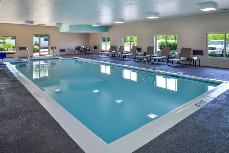 Holiday Inn Express Campbellsville-Swimming Pool<br/>Image from Leonardo
