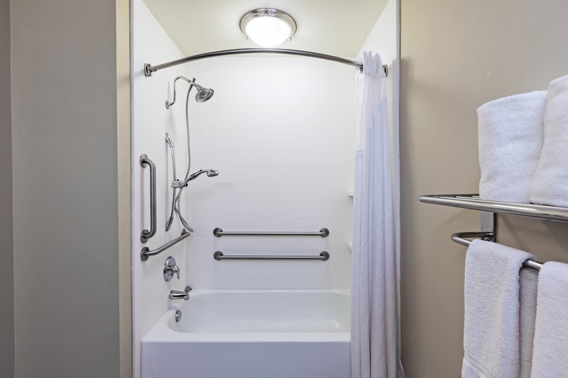 Holiday Inn Express & Suites Eagle Pass-Wheelchair Accessible<br/>Image from Leonardo