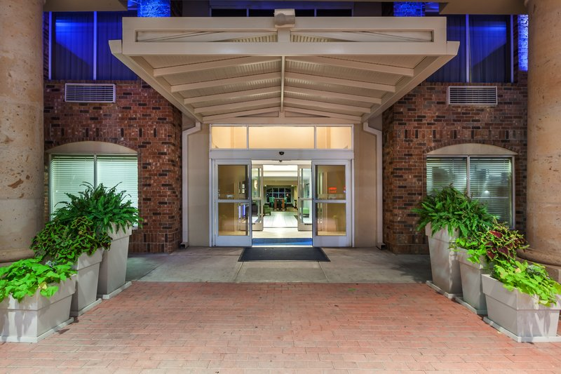 Holiday Inn Express & Suites Eagle Pass-Entrance<br/>Image from Leonardo