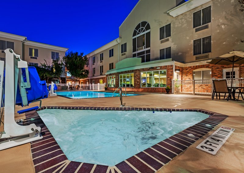 Holiday Inn Express & Suites Eagle Pass-Whirlpool<br/>Image from Leonardo