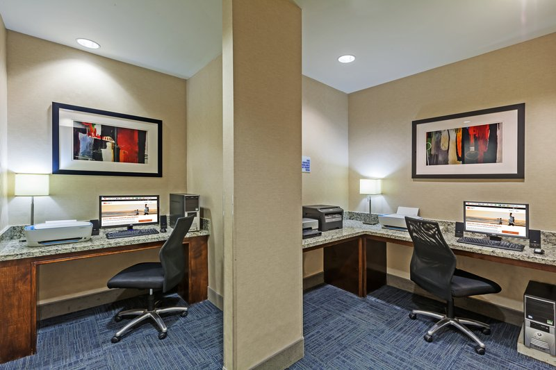 Holiday Inn Express & Suites Eagle Pass-Business Center<br/>Image from Leonardo