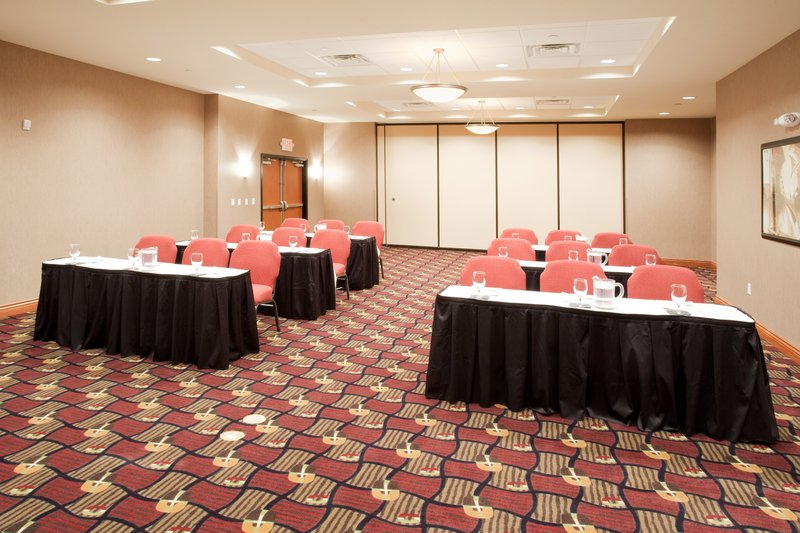 Holiday Inn Hotel & Suites Grand Junction-Airport-The place to meet in Grand Junction for groups to 100 people.<br/>Image from Leonardo