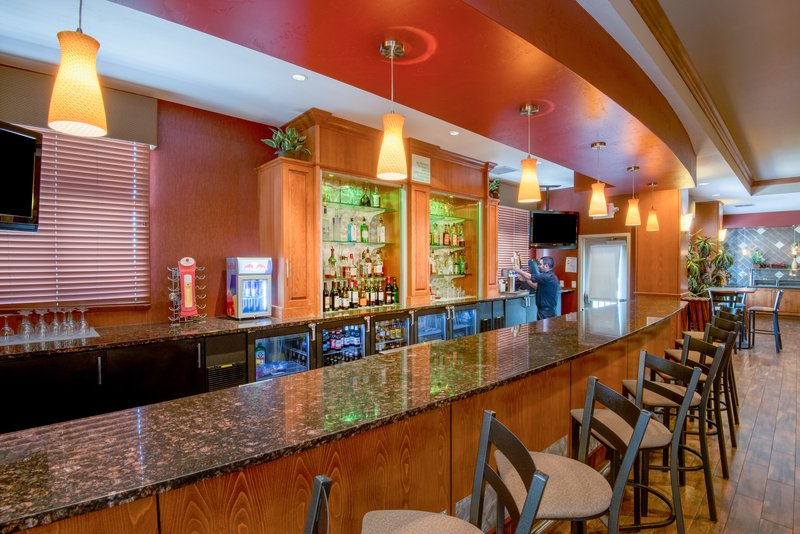 Holiday Inn Hotel & Suites Grand Junction-Airport-Enjoy Colorado Craft Beer and Wine @ Grand Valley Grill<br/>Image from Leonardo