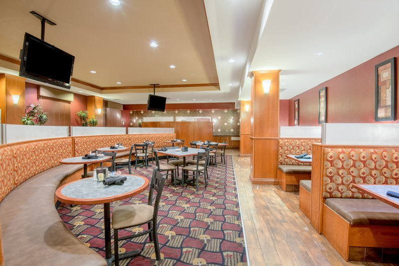 Holiday Inn Hotel & Suites Grand Junction-Airport-Grand Valley Grill is open Daily for Breakfast, Dinner and Drinks<br/>Image from Leonardo