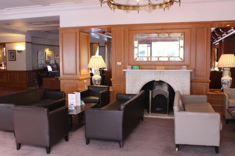 Holiday Inn Maidstone - Sevenoaks-Guest Dining Lounge<br/>Image from Leonardo