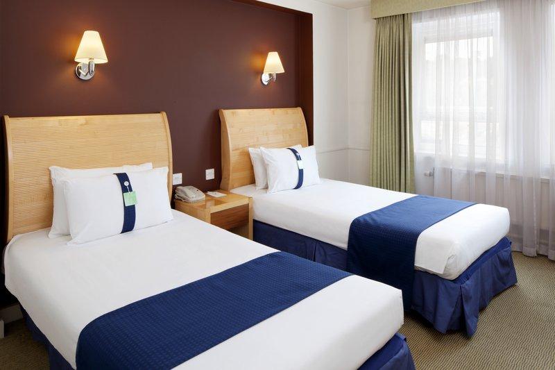 Holiday Inn Maidstone - Sevenoaks-Guest Room<br/>Image from Leonardo