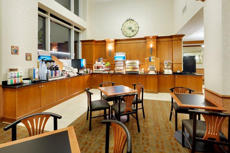 Holiday Inn Express & Suites Long Island-East End-Holiday Inn Express East End, Riverhead, Ny - Breakfast Bar<br/>Image from Leonardo
