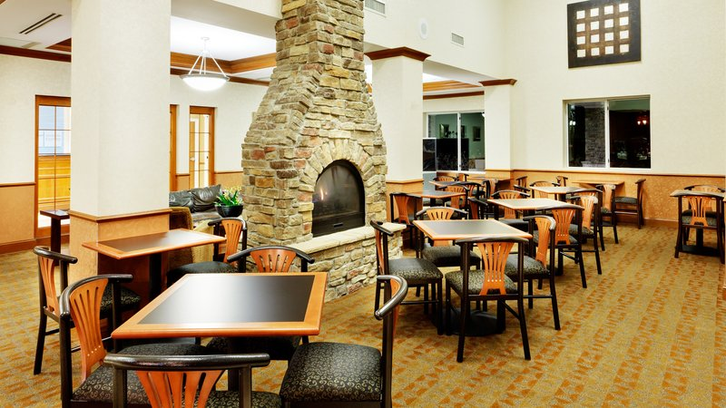 Holiday Inn Express & Suites Long Island-East End-Breakfast Area<br/>Image from Leonardo