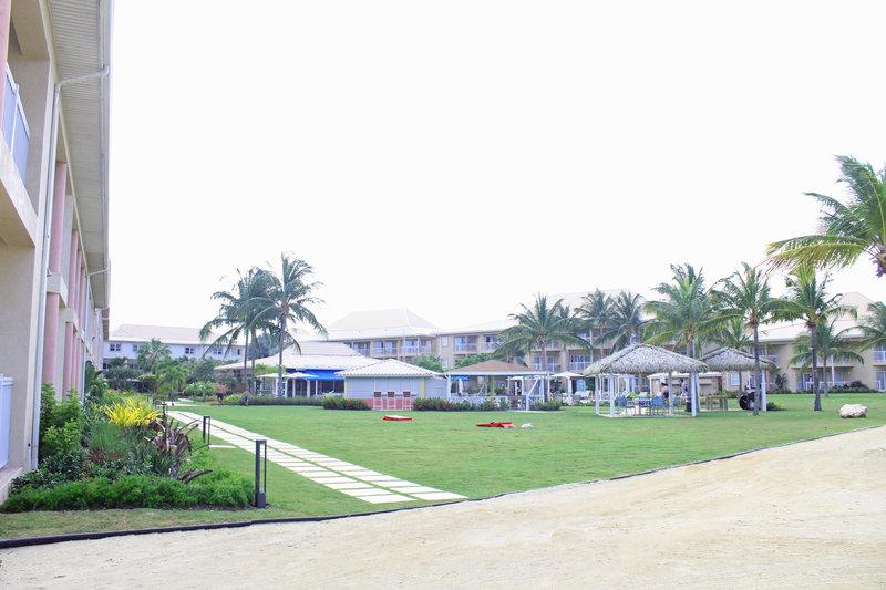 Holiday Inn Resort Grand Cayman-Beach activities, North Sound, Family Fun<br/>Image from Leonardo