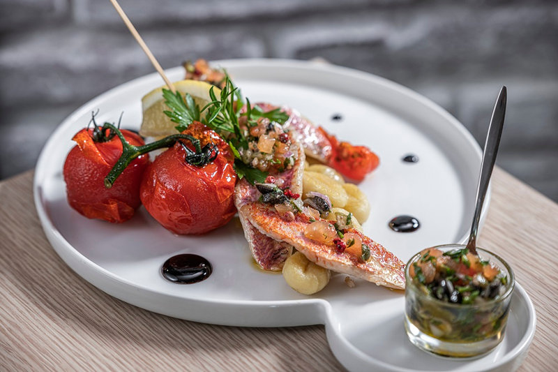 Holiday Inn Toulouse Airport-Enjoy a grilled red mullet at the Black Angus Steakhouse Blagnac<br/>Image from Leonardo